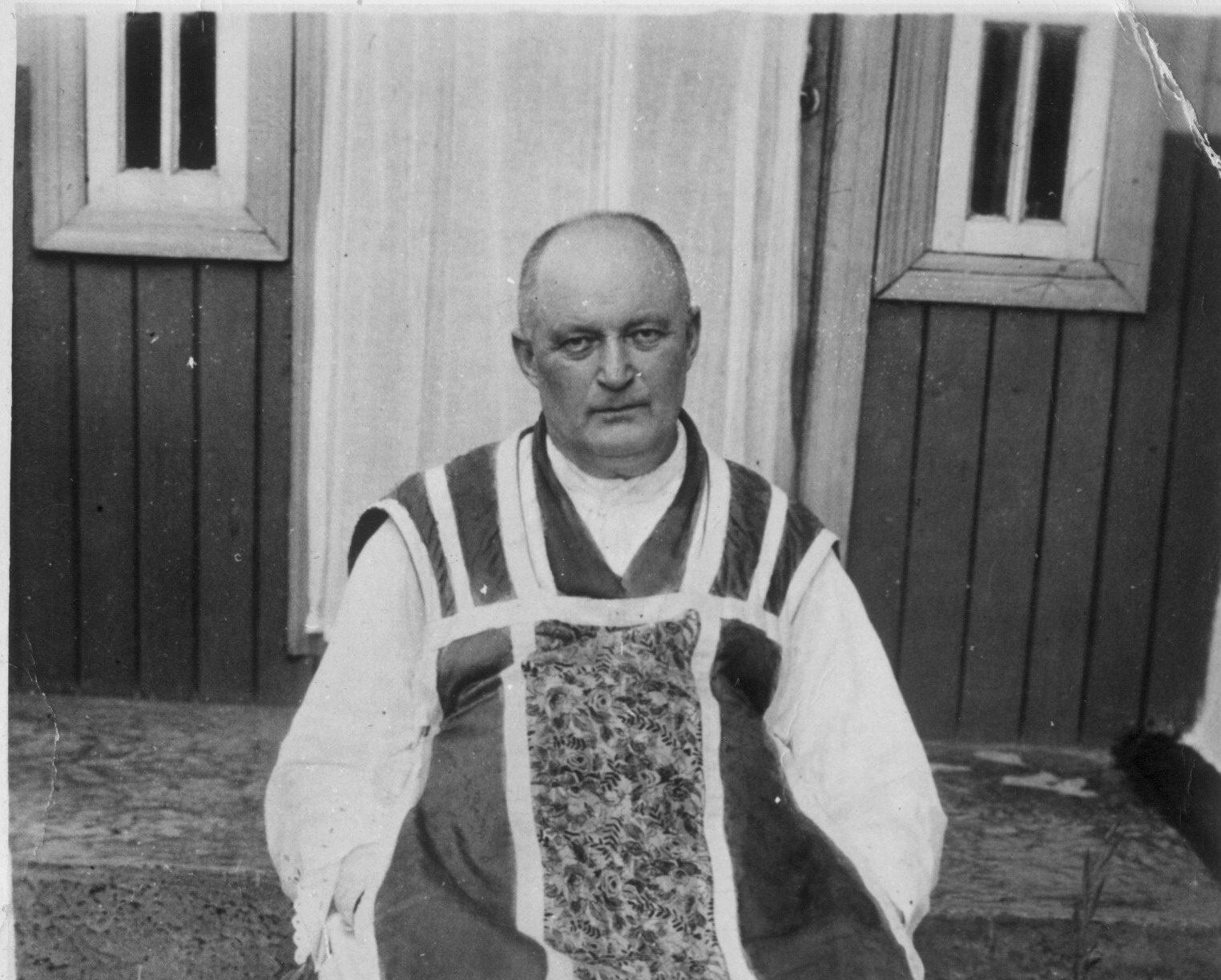 """Papież Jan Paweł II pisał o Słudze Bożym ks. Władysławie Bukowińskim: """"Cieszę się, że"""